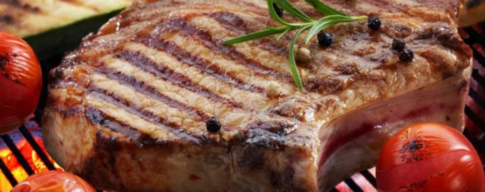 Как правильно готовить свинину на гриле?