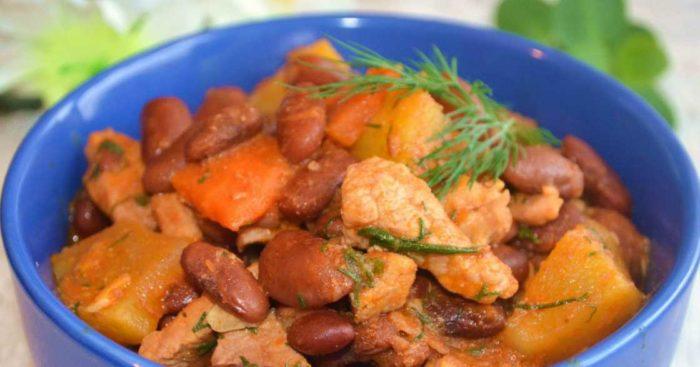 Жаркое из свинины с грибами, тыквой и картошкой