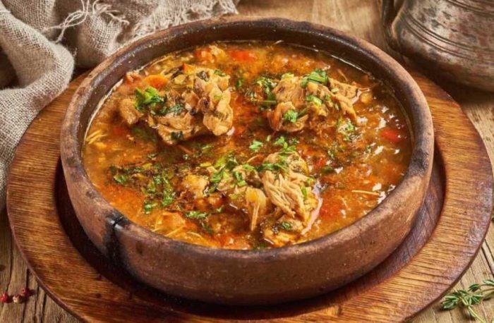 Как правильно готовить свинину в казане, чтобы было вкусно и не сильно жирно?